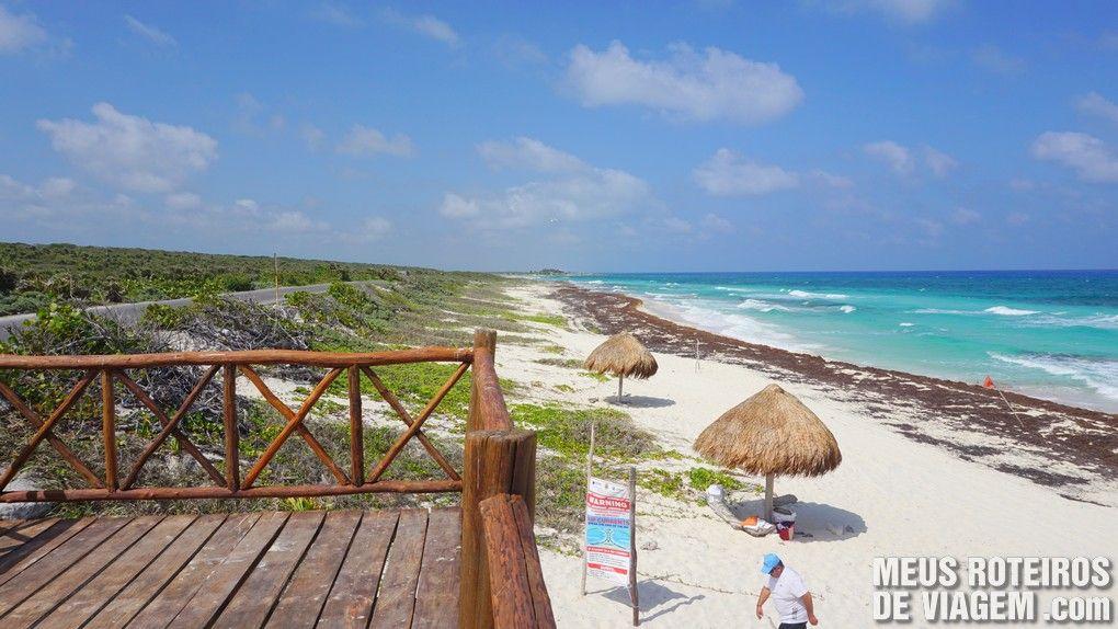 Praia na costa leste de Cozumel - México