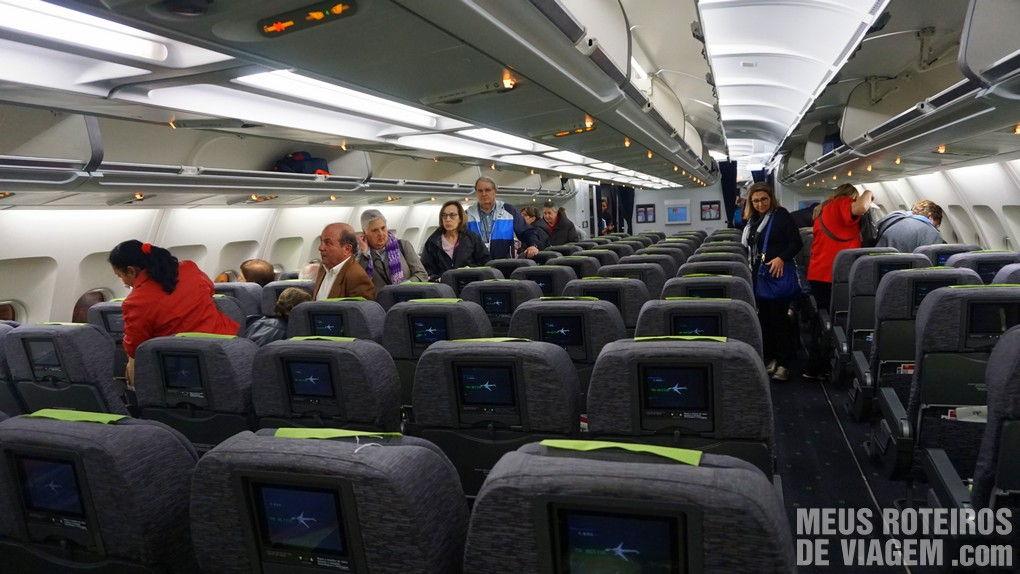 Telas individuais na classe econômica do A330 da TAP