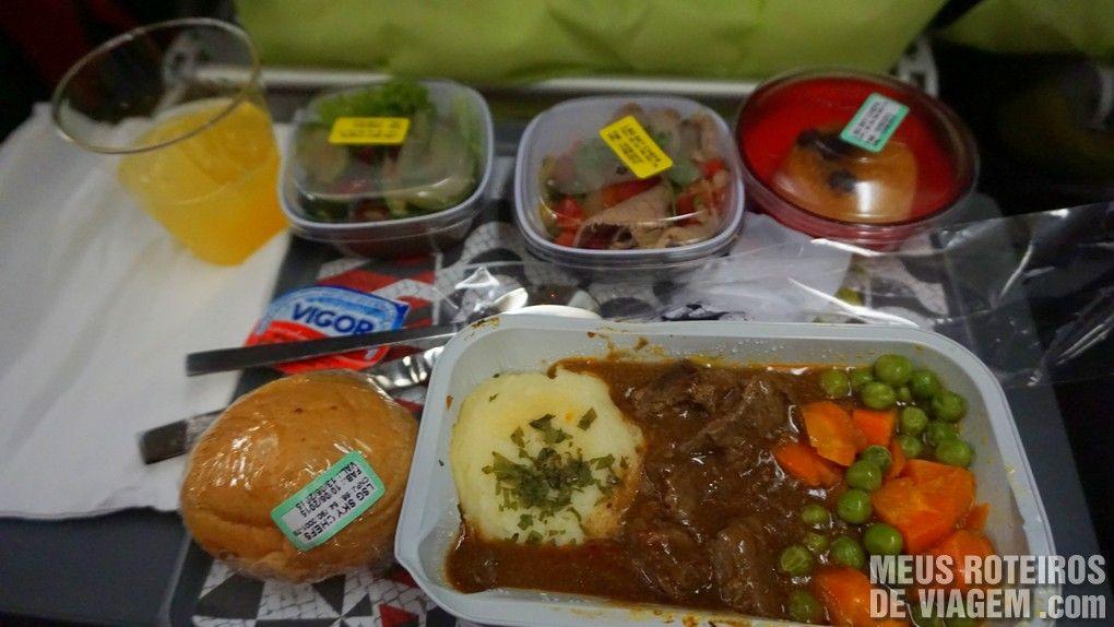 Jantar com carne no voo entre São Paulo e Lisboa - TAP Portugal