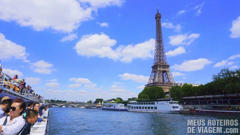 Passeio de barco no Rio Sena com o Bateaux-Mouches - Paris