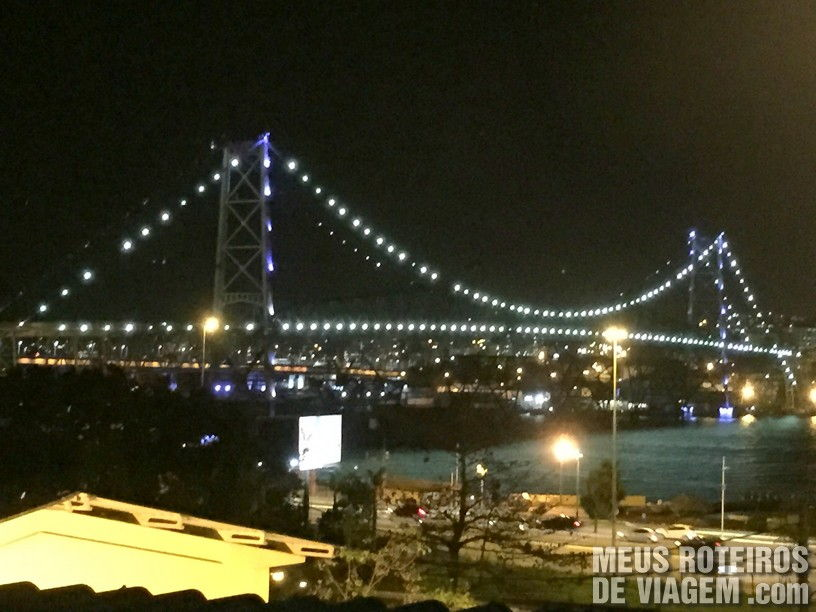 Vista para a ponte Hercílio Luz no Taberna Ibérica - Florianópolis