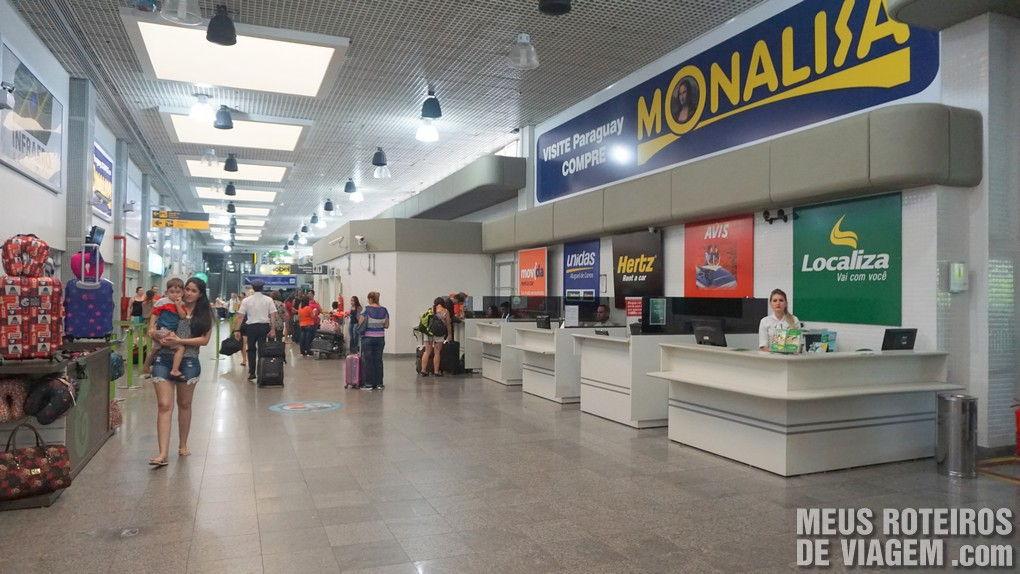 Guichês das locadoras no desembarque do aeroporto de Foz do Iguaçú