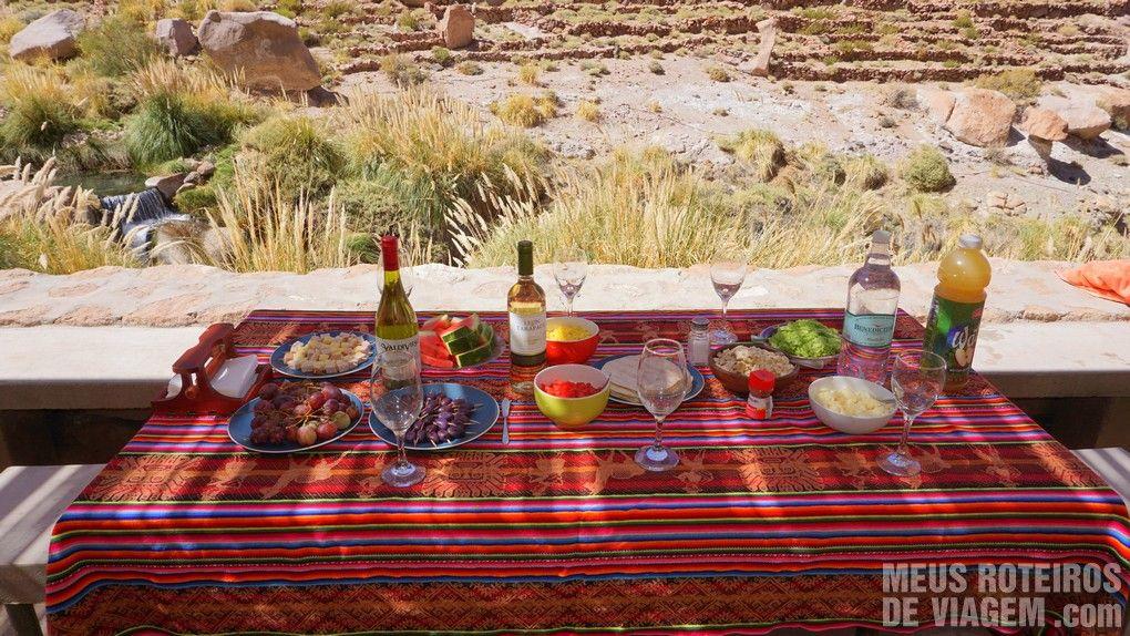 Mesa do coquetel nas Termas de Puritama - Agência Araya Atacama