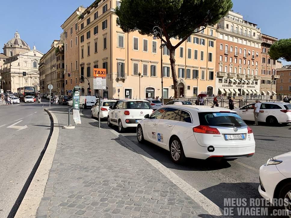 Táxi em Roma