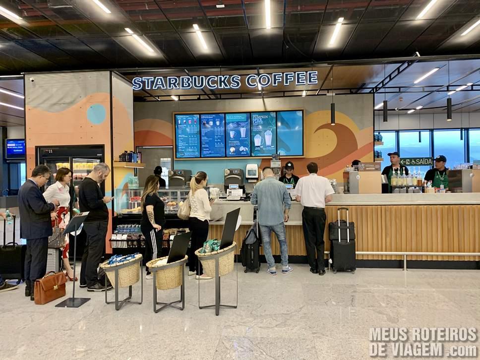 Starbucks na sala de embarque do Floripa Airport