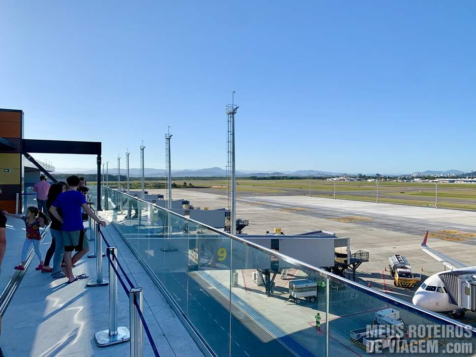 Terraço panorâmico no Aeroporto de Florianópolis