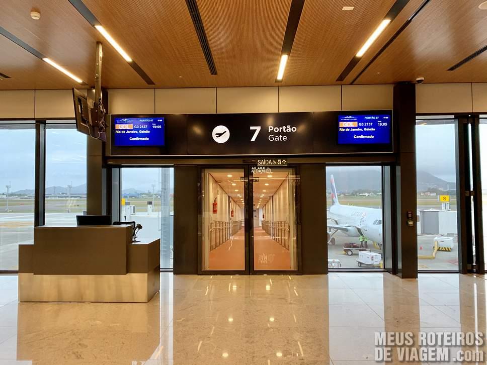 Portão de embarque no Floripa Airport