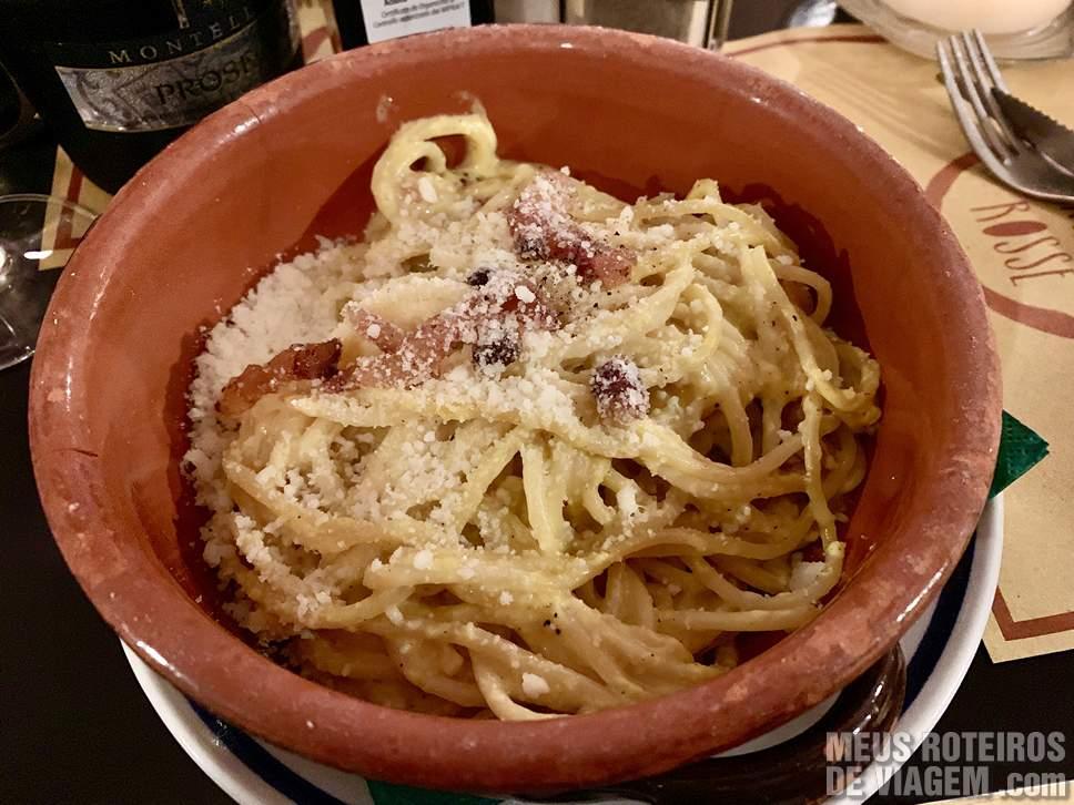 Spaghetti alla Carbonara no Ombre Rosse Roma