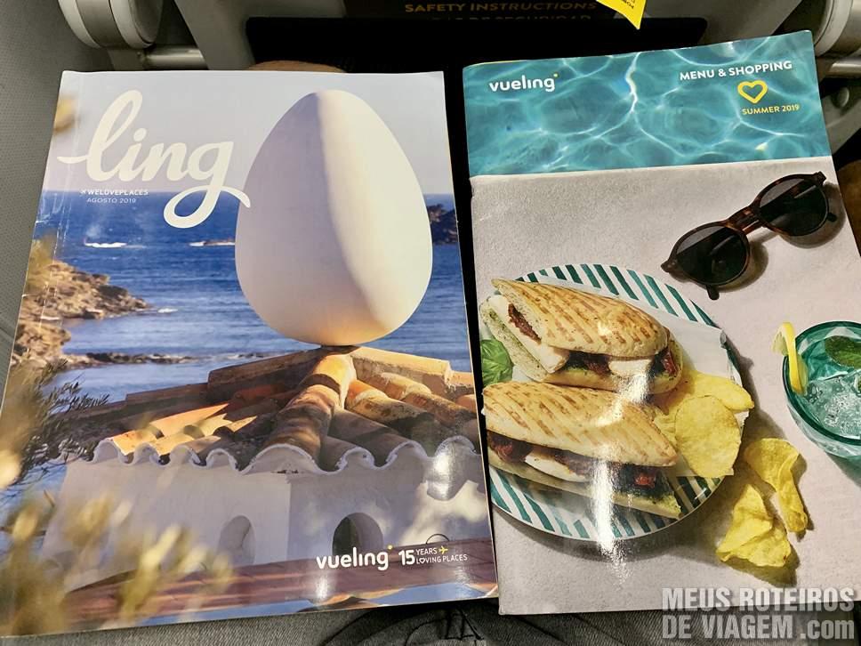 Revista de bordo e menu de alimentação