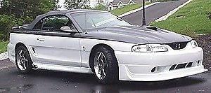 Estribos Con Escape Lateral Tipo SVO Para Ford Mustang