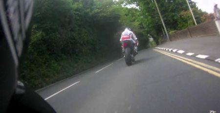 Récord de Isle of Man TT los 17 minutos más rápido