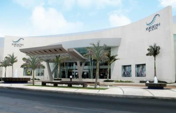 Puerto Aventuras Shopping