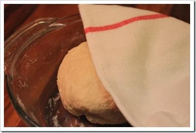 cubra la masa con una toalla y déjala reposar, buñuelos Mexicanos