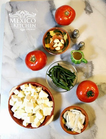 Queso en salsa, ingredientes