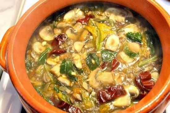 Sopa de Hongos, disfruta con tu familia