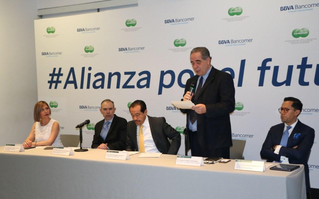 CONDUSEF y BBVA Bancomer ofrecerán empleo a universitarios