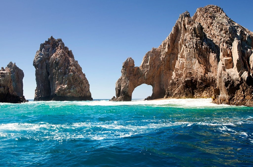 Arco de Cabo San Lucas registra fracturas