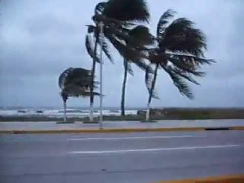 Viernes con fuertes vientos de hasta 70 km/h en el país