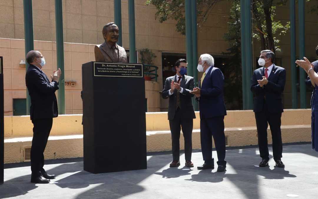 IMSS develó busto del doctor Antonio Fraga Mouret