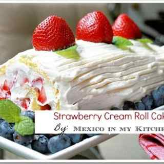 Strawberry Cream Roll Cake  /  Rollo de Fresa