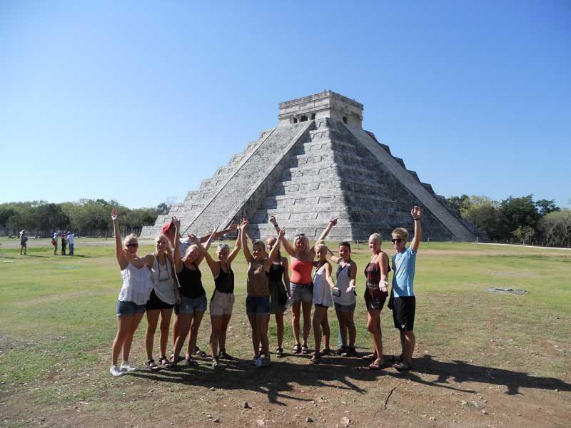 sat mexico tour and travel chichen itza group tour