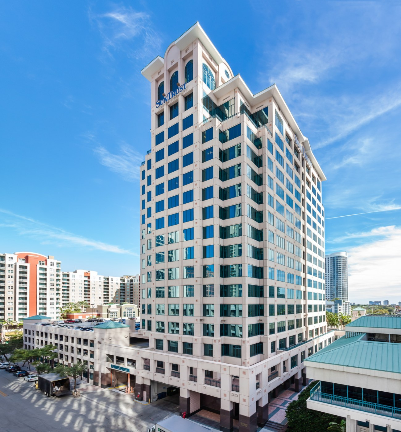 Leasing Picks Up at Steelbridge's Las Olas Square as Renovations Begin
