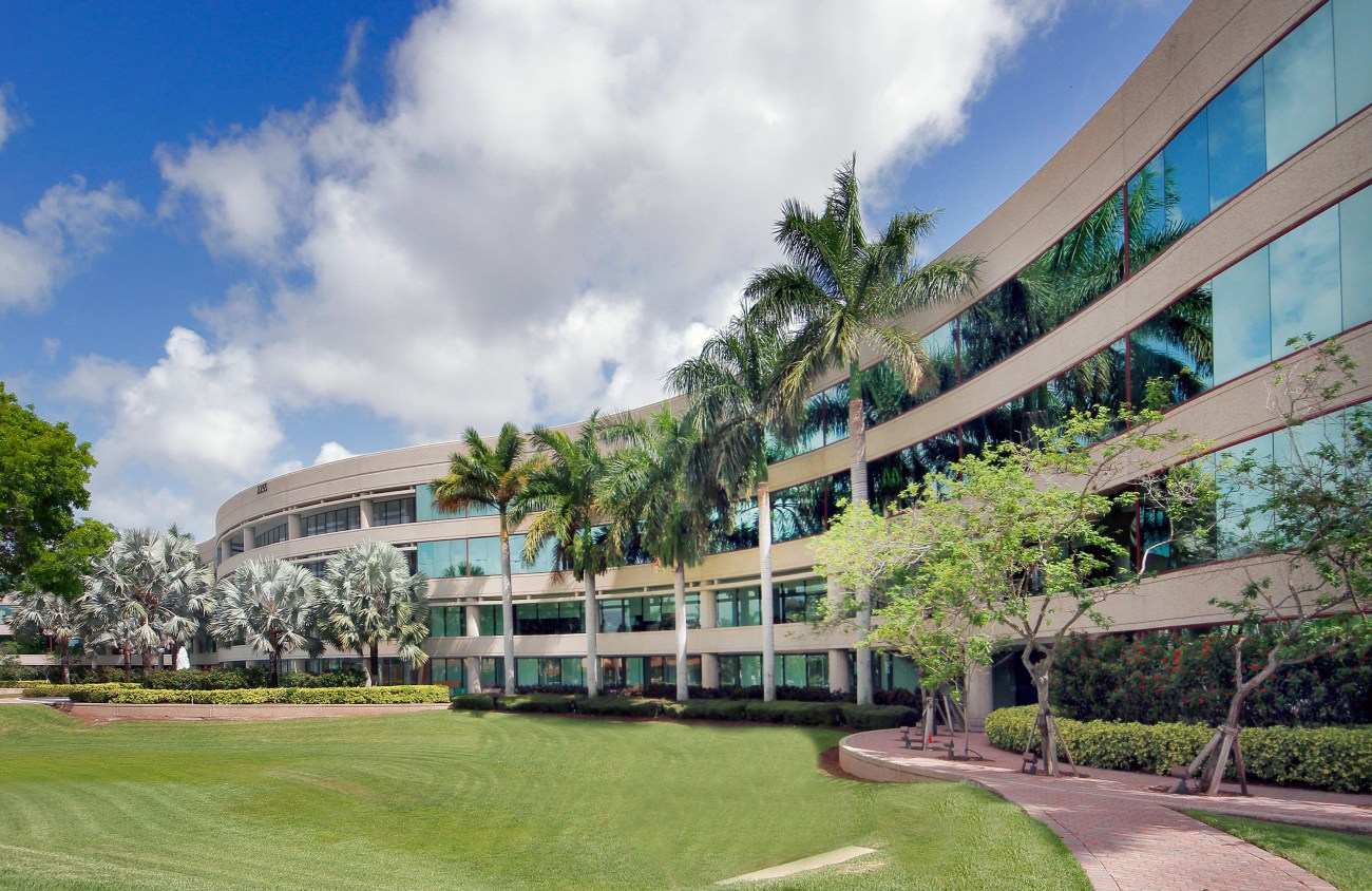 Cushman & Wakefield Negotiates Recapitalization and Financing of One Boca Place