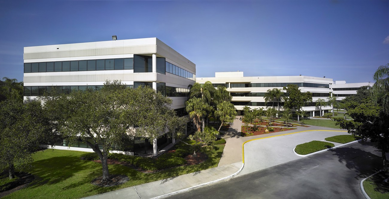 Cushman & Wakefield Negotiates Woundtech HQ Renewal and Expansion at Venture Corporate Center