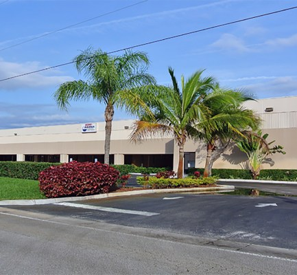 Cushman & Wakefield Negotiates $6.9M Sale of Flamingo Commerce Center