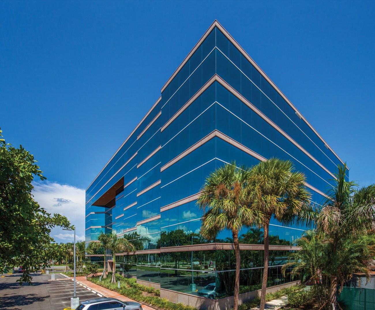 Cushman & Wakefield Arranges $32.5M Sale and $24.8M Financing of Hillsboro Center