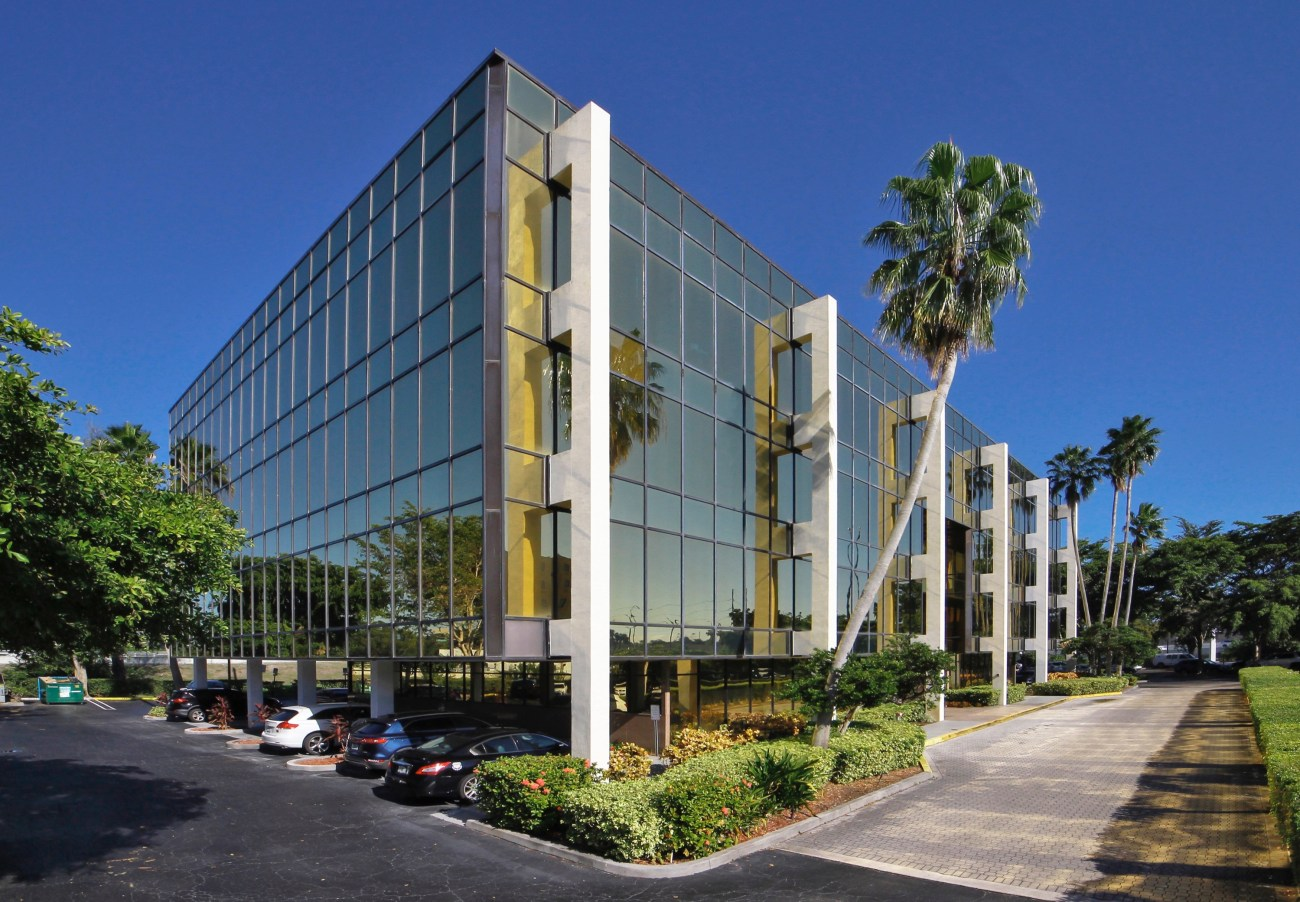 Cushman & Wakefield Arranges $8.5M Sale of Commerce Pointe Gold