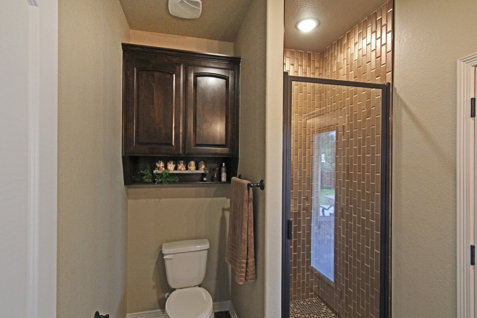 frameless glass shower doors clean