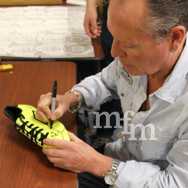 gazza-yellow-boot-signing