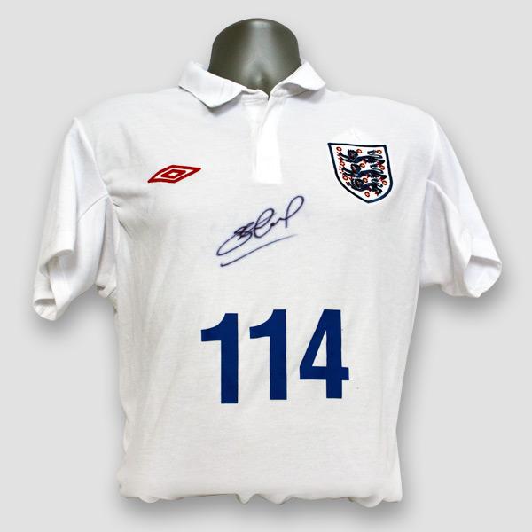 England-Football-shirt-personally-signed-by-Steven-Gerrard