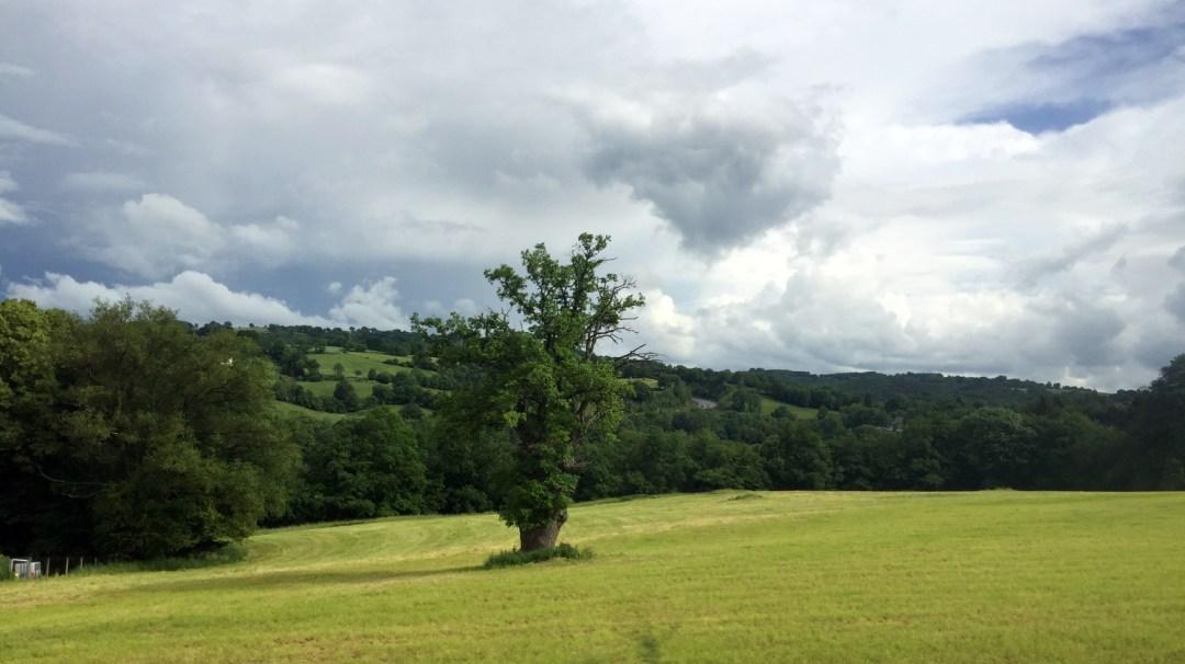 Auvergne Départ de Saint-Martin-de-Fraigneau à Saint-Ours-les-Roches (19)