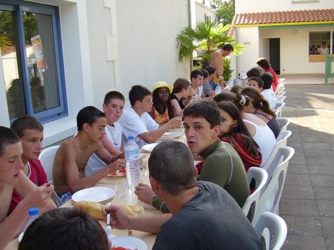 Archives anciens élèves mfr puy-sec 2005