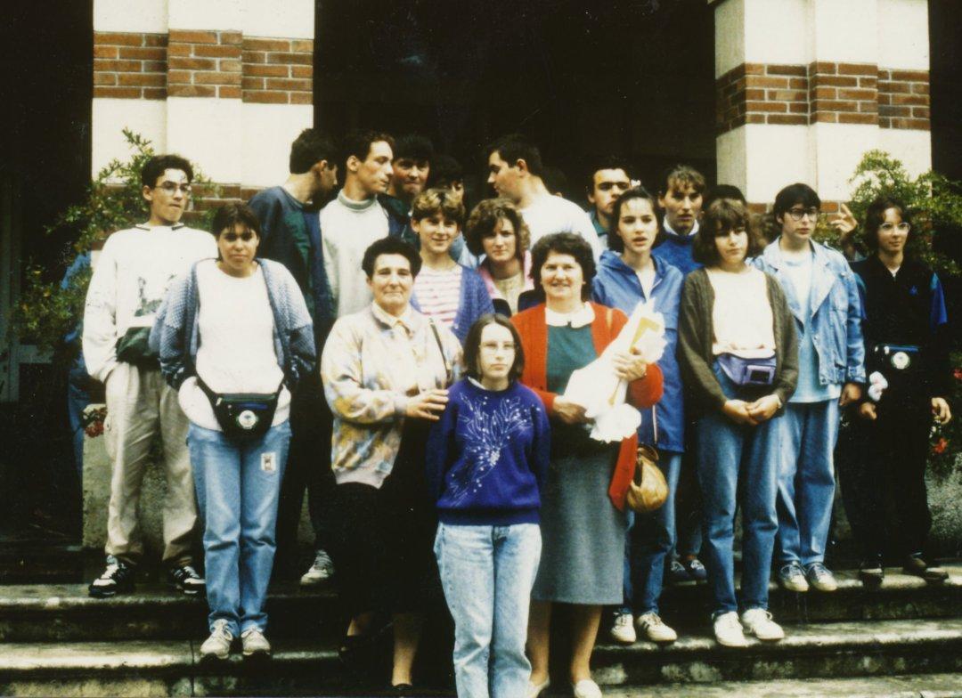 Archives anciens élèves mfr puy-sec 1989 Inès AIMON