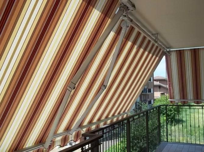 Lavare le tende da sole almeno una volta l'anno e con i prodotti adatti, ci permette di mantenerle nel tempo. Come Pulire E Lavare Le Tende Da Sole Mf Tende Da Sole Torino