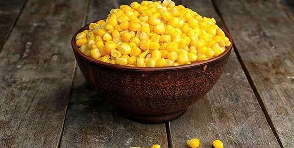 الاختلاف بين الذرة البيضاء والذرة الصفراء