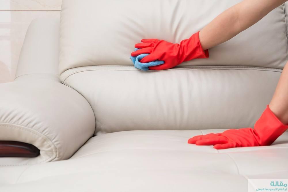 طرق سهلة لتنظيف الأثاث والجلود