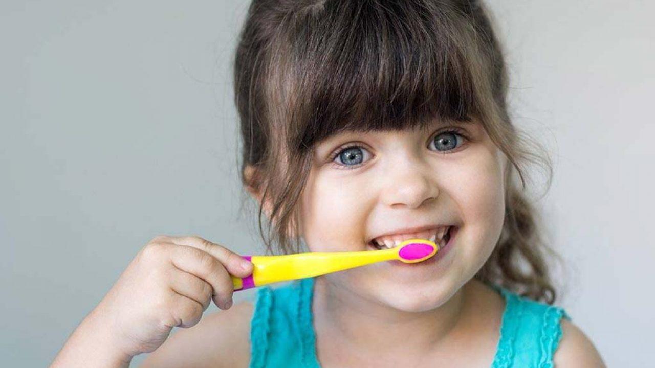 عادات الأسنان التي لا تريد لأطفالك اتباعها