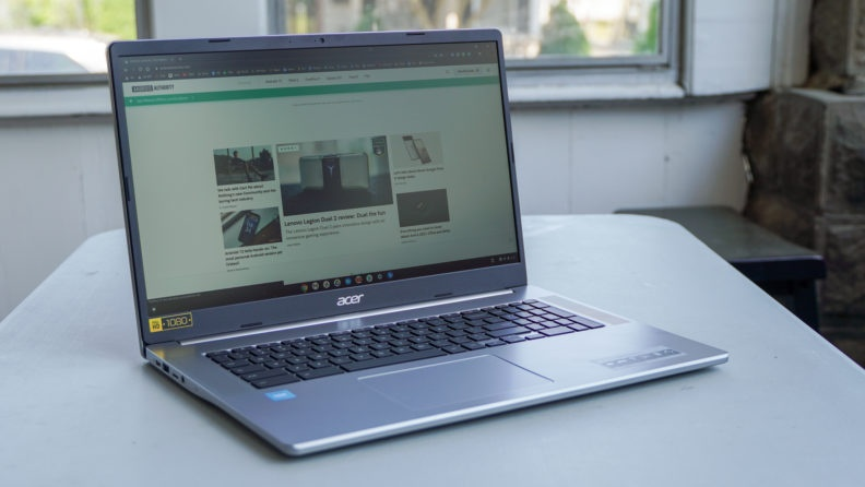 أول جهاز Chromebook مقاس 17 بوصة في العالم