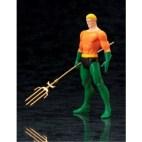 DC UNIVERSE ARTFX+ Series Aquaman Classic Costume Statue 20cm