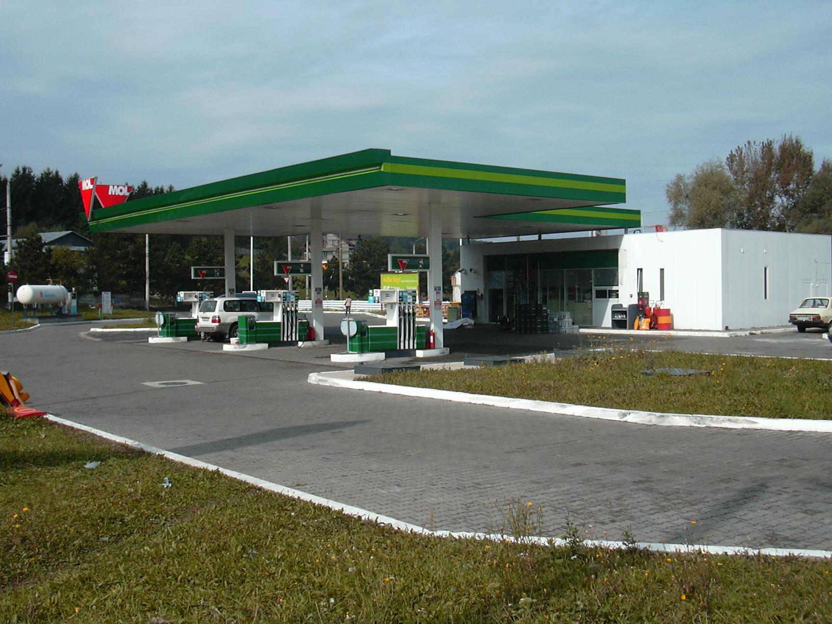 Benzinării MOL
