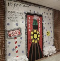 Holiday Door Decorating Contest  The Uproar