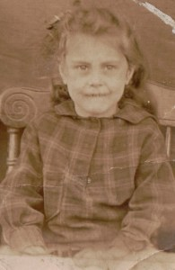 Muriel Nellie BRAYBROOK at school