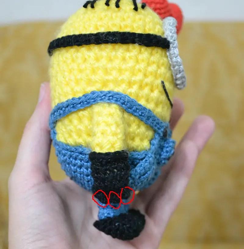 Hawaiian Minion crochet pattern | Bonecas de crochê, Bichinhos de ... | 815x800