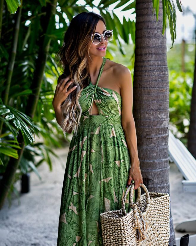 Fashion Blogger Vacation Outfit Ideas Hawaii Mia Mia Mine