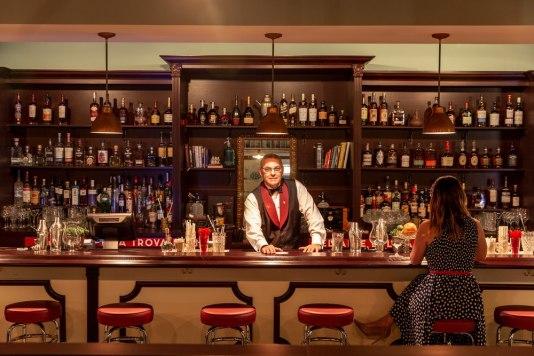 cafe la trova miami, cuban restaurants Miami, cuban food Miami, cuban bars Miami