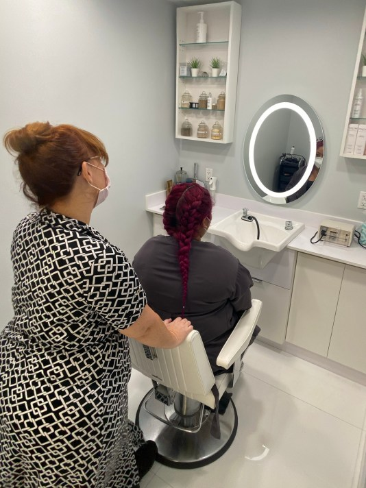 social distancing at beauty salons, miamicurated